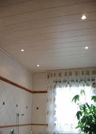 deckenle für badezimmer decke im badezimmer mit einbaustrahler bilder