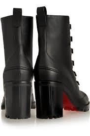 beyoncé stuns in christian louboutin boots for super bowl 50 show