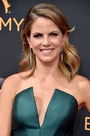 how does natalie morales style her hair natalie morales medium wavy cut natalie morales looks stylebistro