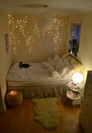 Decorating With Christmas Lights Pinterest by Best 25 Icicle Lights Bedroom Ideas On Pinterest Christmas