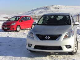 nissan versa is it a good car 2012 nissan versa vs toyota yaris mashup review u0026 0 60 mph drive