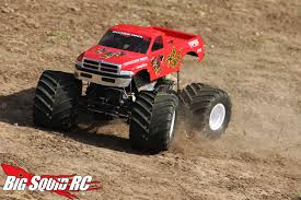 monster truck crashes video monster truck madness 10 u2013 track styles big squid rc u2013 news