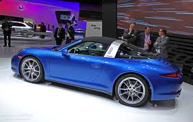 new porsche 911 targa porsche 911 targa takes its roof down in detroit live photos