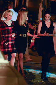 jennifer aniston kate mckinnon and olivia munn on the set of