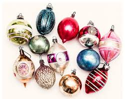 vintage 1940s 1950s vintage ornaments by frankiesteinz traditional