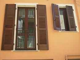 persiane legno porte e finestre in legno