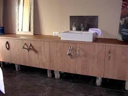 cuisine bois flotté réalisation atelier des gambins mobilier ton bois poignées et