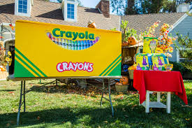 Crayon Costume How To Diy Family Crayon Costume Hallmark Channel