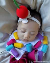 Infant Cupcake Halloween Costume Savvy Mom Nyc Area Mom Blog Sew Diy Baby Cupcake
