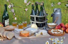 cuisine normande traditional normandy food and drinks restaurants markets food