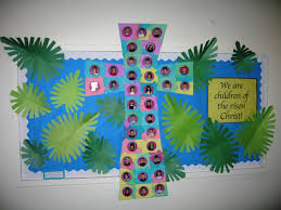 Ideas For Easter Decorations For Church by Best 25 Christian Bulletin Boards Ideas On Pinterest Church