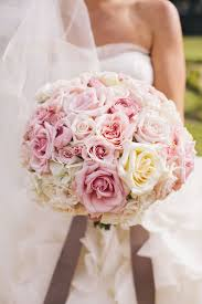 Wedding Flowers For The Bride - best 25 ivory rose bouquet ideas on pinterest white rose