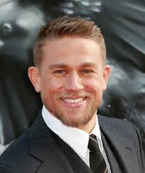 how to get thecharlie hunnam haircut dlisted charlie hunnam is up for a queer as folk reunion