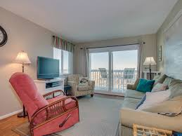 2bd 2ba comfortably furnished condo in an oceanfront three story