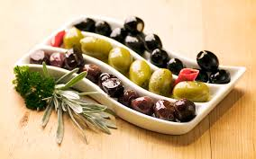 italian olives how are green and black olives different diabetic mediterranean