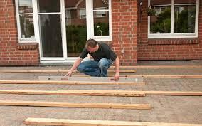 terrasse selber bauen anleitung in 4 schritten