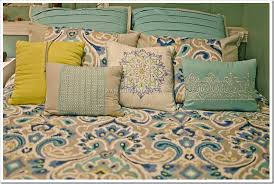 Kohls Queen Comforter Sets Kohl U0027s Home Trends Bright Colors Transform The Bedroom