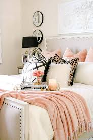 15 inspiring ways to cozy up your bedroom space for fall cozy 15 inspiring ways to cozy up your bedroom space for fall