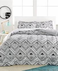 White Twin Xl Comforter Pem America Morgan 2 Pc Twin Twin Xl Comforter And Sham Set Black