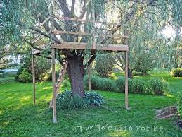Simple Backyard Tree Houses by Easy Tree Forts Simple Tree Fort Plan Platform And Supports