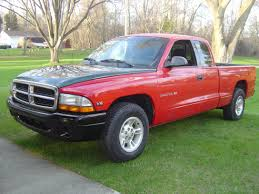 Lifted Dodge Dakota Truck - tire fitment with 2