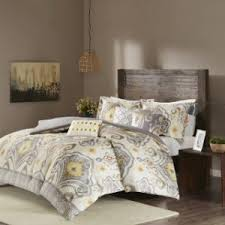 What Size Is A Full Size Comforter All Your Queen Size Bed Question Answered Overstock Com