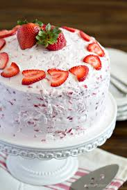 strawberry cake 1 2 kg egg u2013 lucknowdibbewala