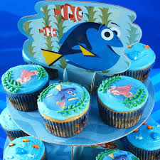 how to decorate cupcakes at home animals decorating ideas wilton