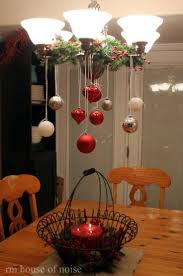 Hanging Chandelier Over Table by Best 25 Christmas Chandelier Decor Ideas On Pinterest Christmas