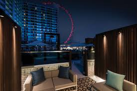 Las Vegas Hotel by The Best Vegas Rooms With A View Las Vegas Blogs