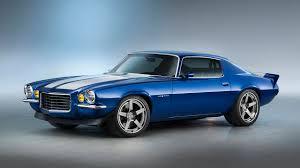 camaro 70 ss chevy showcases 650 hp lt4 crate engine in 1970 camaro rs at sema