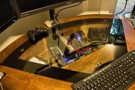 monter ordinateur de bureau diy un magnifique bureau informatique monté sur vérins semageek