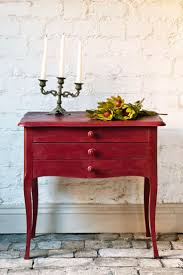 best images about nuancier chalk painta pinterest red side table painted with annie sloan new burgundy chalk paint the color recalls rich reds seen turkish rugs think cranberries and plums
