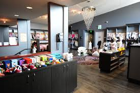 Consignment Stores Los Angeles Ca Best Places For Baby Clothes In Los Angeles Cbs Los Angeles