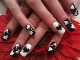 black and white heart freehand nail art ehhh i love me some