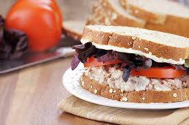 How Many Calories Are in a Tuna & Mayo Sandwich