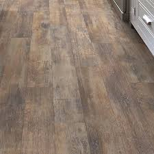 Shaw Flooring Laminate Shaw Floors Momentous 5 43 X 47 72 X 7 94mm Laminate Flooring In