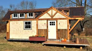 Small Home Design Ideas Cozy Homey Cottage Style Tiny House With Spacious Living Area
