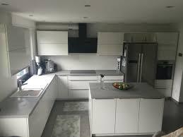hochglanz küche küche beton optik weiß hochglanz wohnen grau kupfer rosa