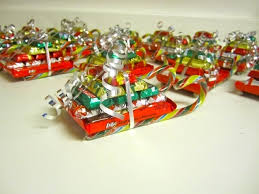 christmas candy gifts christmas candy sleighs make cheap and easy gifts for kids and