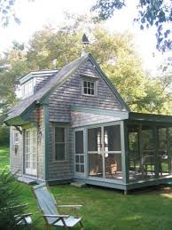 Small Cabin House Small Cottage With Large Screened Porch Have A Walk Out Deck On