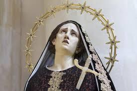 imágenes religiosas que lloran sangre el mito de las estatuas que lloran descubre su curiosa explicación