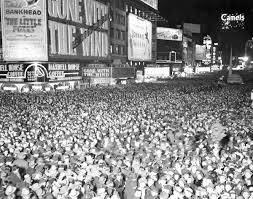History Of Gazing Ball Midnight In Times Square The History Of New Year U0027s Eve In New