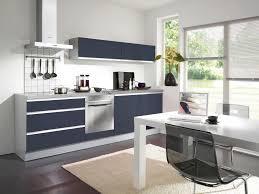 cuisine equipee en l cuisine équipée aviva calla gris bleu bleues apaisantes