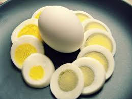 cuisine trucs et astuces how to boil an egg the right way truc astuces et cuisines