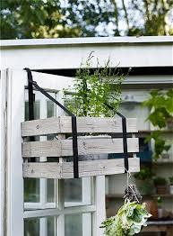 regal balkon tolle idee um kästen auf dem balkon zu befestigen oder ein