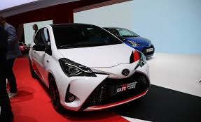 2017 toyota yaris 3 door pictures photo gallery car and driver