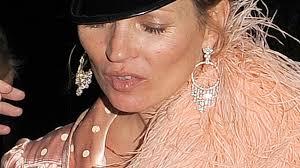 Schlafzimmerblick Bilder Party Nacht Kate Moss In Desaströsem Zustand Promiflash De