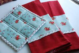Gifts For The Kitchen Anyone Can Quilt Super Sweet Christmas Gifts And A Visit From