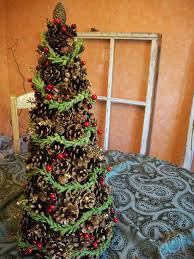 17 diys to make a pine cone christmas tree guide patterns